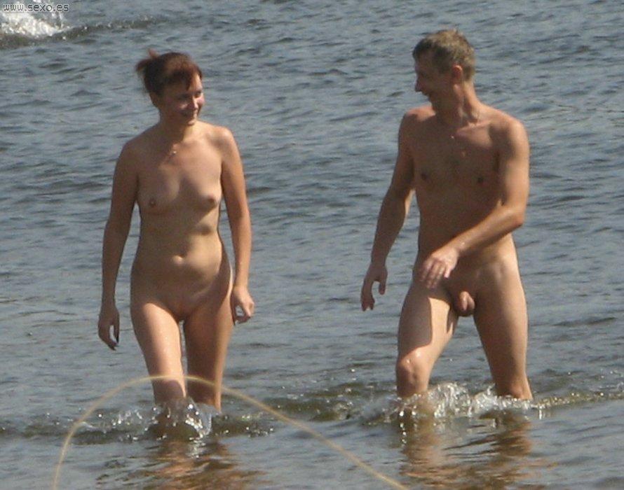 Fotos tomadas en una playa nudista