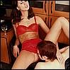 Con lenceria roja le chupan el sexo