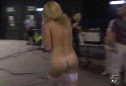 La pornostar Maria Lapiedra desnuda en la tele